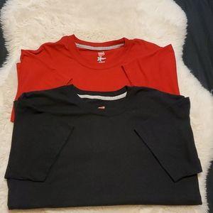 Hanes Short Sleeve T-shirts (2)